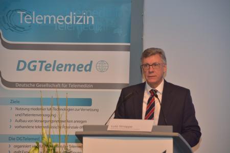 """Lutz Stroppe, Staatssekretär des Bundesministeriums für Gesundheit, eröffnete den """"8. Nationalen Fachkongress Telemedizin"""""""