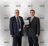 GSD Geschäftsführer Hans Rebhan und André Stamm präsentieren den Top100-Award