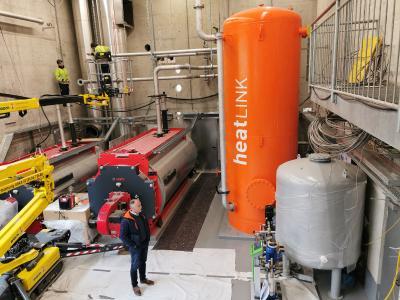 Das multivalente Wärmezentrum heatLINK aus der thermoLINK-Familie. Die Sammel- und Verteillösung ermöglicht einen optimalen Wärmepumpenbetrieb und eine effiziente Vorhaltung insbesondere von regenerativ erzeugter Energie. | Quelle: ENERLINK GmbH