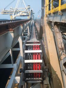Für einen indonesischen Düngemittelhersteller konnte TSUBAKI KABELSCHLEPP ein RSC-System mit einem Verfahrweg von 260 Metern realisieren