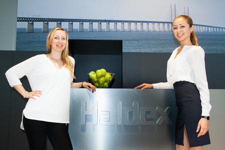 Interpret GmbH Messehostessen IAA 2014 Für Haldex