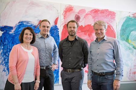 Es freuen sich auf die Zusammenarbeit: v. l. n. r. Ingrid Müller (Geschäftsführerin Meyle+Müller), Ole Osthoff (Geschäftsführer Hanse Reprozentrum f. Vertrieb/Digitaldruck), Simon Frenz (Geschäftsführer Hanse Reprozentrum), Eugen Müller (Geschäftsführer Meyle+Müller)