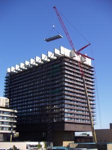 Die medfacilities GmbH, eine Tochter der Uniklinik Köln, ist für die Planung und den Bau von Gebäuden sowie das Facility Management zuständig.