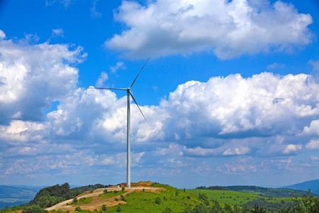 Der erste Windpark, den ABO Wind in Bulgarien realisiert hat, steht auf 950 Meter Höhe im Balkangebirge. Die Windverhältnisse sind exzellent (Foto: ABO Wind)