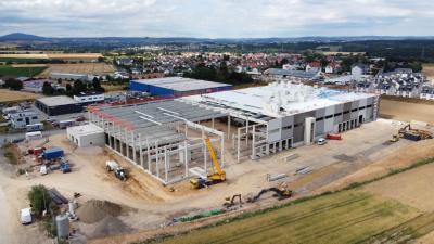 Foto des neuen Logistikobjekts in Lützellinden in der Bauphase