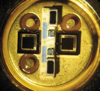 Die einzigartigen permanent gepolten Dünnfilm-PZT-Arrays bestechen durch die Kombination aus Leistung, Kosten sowie einer Bauform, die der momentanen Infrarot-Technologie weit voraus ist.
