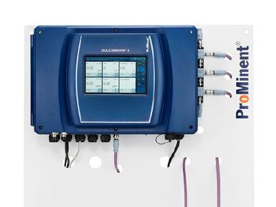 DULCOMARIN® 3 with touch display for easy operation with interactive planning and commissioning assistant, also via web browser. Access to all functions via any internet-enabled device.