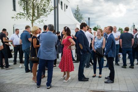 Mehr als 550 Gäste kamen im Sommer 2017 zur Riesenparty (Bildquelle: noris network)