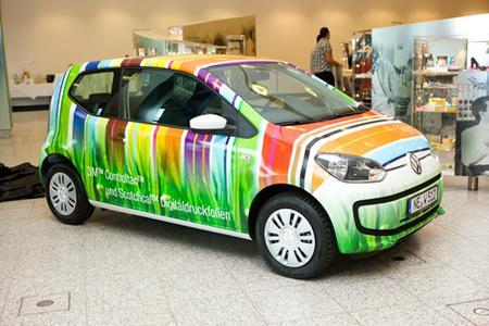 Sieger des diesjährigen CARmäleon Awards: 3M Controltac Digitaldruckfolie verwandelte den VW Up! in ein rollendes Kunstwerk