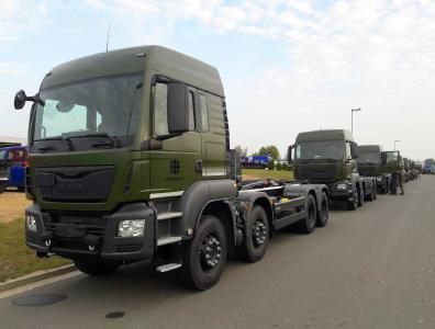 Rheinmetall liefert 342 Abrollkipper-Fahrzeuge an die ...