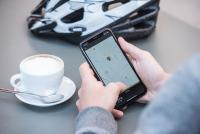 Über eine App kann sich ein Fahrradbesitzer die Position seine Fahrzeuges anzeigen lassen.