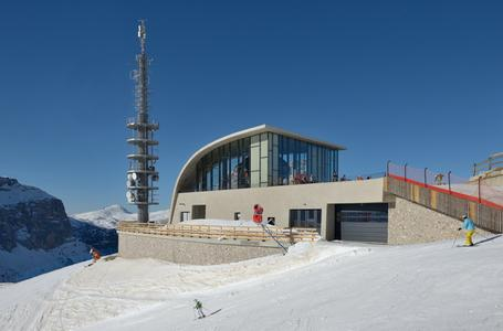 The new Dantercepies gondola lift went into operation in December 2013.   (Photo: Wolfgang Moroder, Wikipedia-Commons)
