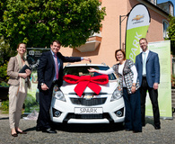 """Wheels for Kids"": Chevrolet spendet Spark für SOS-Jugendhilfen Erding"