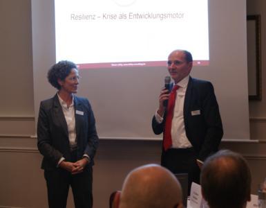 Maren Lehky und Klaus-Olaf Zehle beim Regionalforum in Hamburg
