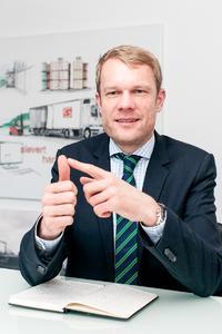 """""""Im Wettbewerb der Logistikdienstleister gewinnen Zertifizierungen zunehmend an Bedeutung"""", sagt Niklas Sievert, Geschäftsführer der Sievert Handel Transporte GmbH."""