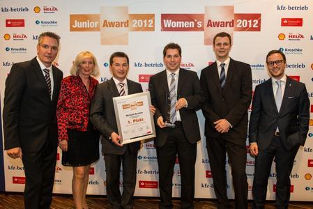 Das Fachmedium »kfz-betrieb« verlieh Michael Brucker auf dem 1. Juniorenkongress des Kfz-Gewerbes den Junior Award 2012