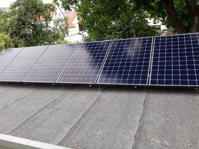 Teilweise verschattete Solaranlage © iKratos