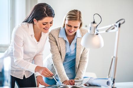 ute Beleuchtung trägt wesentlich zu einer produktiven Arbeitsatmosphäre bei (Bild: level17/istock/Thinkstock)
