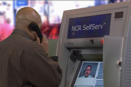 Der interaktive NCR Geldautomat verbindet Kunden auf Wunsch per Videokonferenzschaltung mit einem Bankmitarbeiter