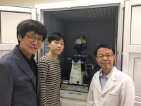 Professor Kyeong Kyu Kim with his graduate student, Mr Wanki Yoo, and lab manager, Dr Hyungchang Shin with their JPK NanoWizard® ULTRA Speed AFM at SKKU in Korea