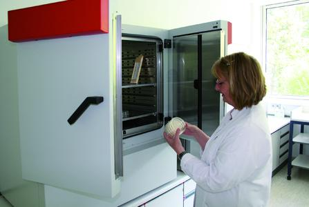 BINDER refrigerated incubator helps Lake Constance Water Supply Authority ensure the quality of the drinking water