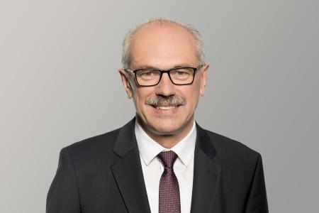ZF-Vorstandsmitglied Wilhelm Rehm leitet mit Wirkung zum 1. Januar 2022 den neuen Unternehmensbereich Commercial Vehicle Solutions / Bild: ZF
