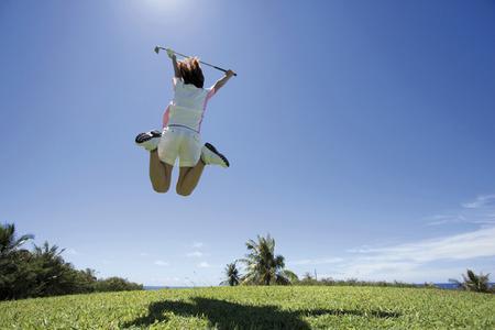 Golfen muss weder teuer noch zeitintensiv sein. Günstiges und flexibles Abschlagen ermöglicht die Vereinigung clubfreier Golfspieler (VcG). Bildnachweis: Corbis