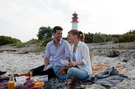"""Wayne Carpendale und Caroline Scholze in """"Der Landarzt"""", Foto: Christine Schröder, ZDF"""
