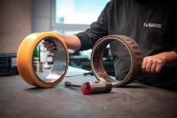 Mit den Komponenten von TORWEGGE lassen sich nicht nur defekte Räder ruckzuck wieder in Schuss bringen. (Foto: TOR-WEGGE)