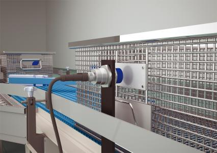 Die UV-Reflex-Lichtschranken mit IO-Link sorgen für eine 100-prozentig zuverlässige Erkennung transparenter Objekte und sind in Steuerungssysteme einfach zu integrieren