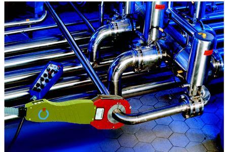 """Edelstahl-Rohrverbindungen in der High-Purity-Industrie: Orbitalschweißen auf der Baustelle und in der Vorfertigung - """"rundum glatt und sauber selbst an der längsten Leitung"""""""