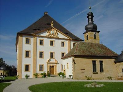 Im Jahr 2007 ließ der Schloßherr die Fassade des geschichtsträchtigen Anwesens Schloß Trockau renovieren