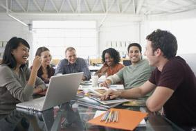 Mehr denn je gefragt: Kommunikationstalent, Kreativität und technisches Know-how in digitalen Medien.