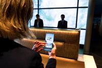 Smartes Ausbildungs-Tool für den Tourismus: Die HOTEL mobile App ist in dutzenden Sprachen verfügbar und jedes Hotel kann Lerninhalte individuell anpassen.