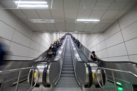 Escalators in Seoul: Also at metro Line 9 ThyssenKrupp Elevator transports passengers safely to their desired destiny