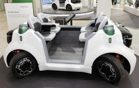 """""""Schaeffler Mover"""": Das kleine und sehr wendige Fahrzeugkonzept ist rein elektrisch betrieben und kann – mit verschiedenen Aufbauten versehen – in urbanen Räumen für flexible Transportaufgaben eingesetzt werden (Foto: Schaeffler)"""