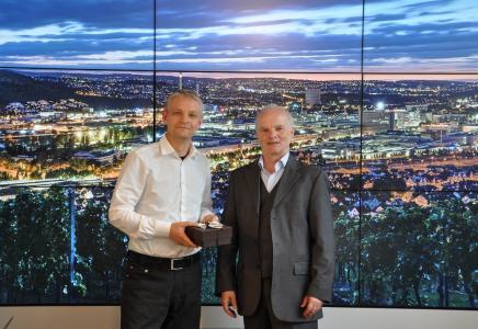 Amtsübergabe, Dr. Georg Kääb (rechts) folgt auf Dr. Hinrich Habeck als Sprecher des AK BioRegionen © BioRegio STERN Management GmbH