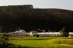 Angesiedelt in der Region Cantabria im Norden Spaniens, vereint das Unternehmen am Hauptstandort Cabézon de la Sal die Produktionsstufen Spinnerei, Weberei, Färberei und Ausrüstung und produziert hochwertige Baumwoll- und Mischgewebe für Bekleidung, Arbeitskleidung und Technische Textilien, Foto: Textil Santanderina, S.A.