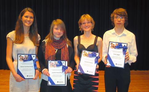 Verleihung des Sycor-Preises am 18. Juni 2010 in der Stadthalle Göttingen: (v. l. n. r.) Anna-Corinna Kulle, Leonie Henschel, Carolin Kautz und Sven Jäger