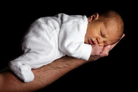 Einfach süß: ein kleines Baby...