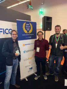 Stephan Methner und Kollegen freuen sich über den Gewinn des BARC Start-up Awards