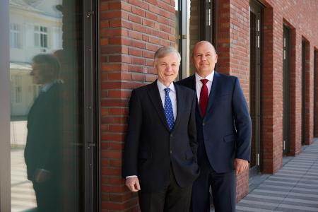 Stefan Messer, owner and CEO of the Messer Group, and Dr. Hans-Gerd Wienands, Financial Director of the Messer Group.