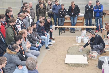 Gelungener Theorie-Praxis-Transfer: Knapp 300 Fachhandwerker bildeten sich bei der deutschlandweiten Seminarreihe Update GaLaBau von tubag weiter. (Quelle: tubag / Carsten Hinnah)