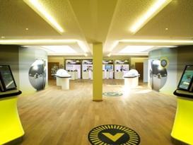 (Foto: © hl-studios, Erlangen)  Passendes Ambiente: hl-studios hat die gesamte Veranstaltung in einer Flipper-Welt inszeniert