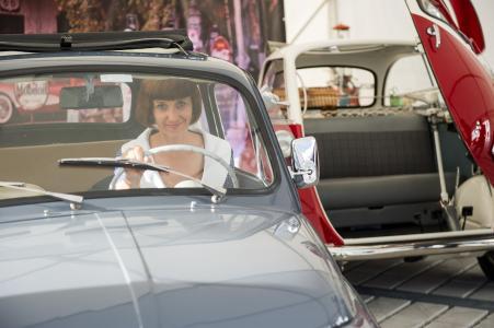 Blickfang auf der Feier: Kult-Autos aus den 50er-Jahren (Bildquelle: noris network)