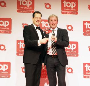 David Plink (CEO Top Employers Institute), Siegfried Bloch (CHRO, Arvato Systems), Copyright: Top Employers Institute