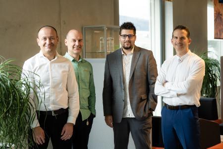 C-Management von dbi services Von Links nach Rechts: Yann Neuhaus, CSO & Vice-Chairman of the Board Hervé Schweitzer, CTO David Hueber, CEO Grégory Steulet, CFO