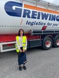 Zum Start in das Berufsleben heißt GREIWING in diesem Jahr 17 neue Auszubildende willkommen, eine von ihnen am Standort Worms. (Foto: GREIWING logistics for you GmbH)