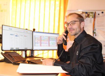 Tilo Spargel, Supportmitarbeiter, Trainer und schon nach kurzer Zeit kompetenter Ansprechpartner bei der PRAXIS EDV-Betriebswirtschaft- und Software-Entwicklung AG