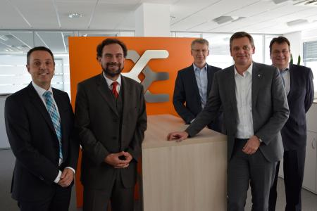 After signing the contract in Detmold (f.l.t.r.): Ulrich Haag, Stefan Frühauf (both Bosch Group) and Dirk van Vinckenroye, Jörg Timmermann and Jochen Rafalzik (all Weidmüller Group)